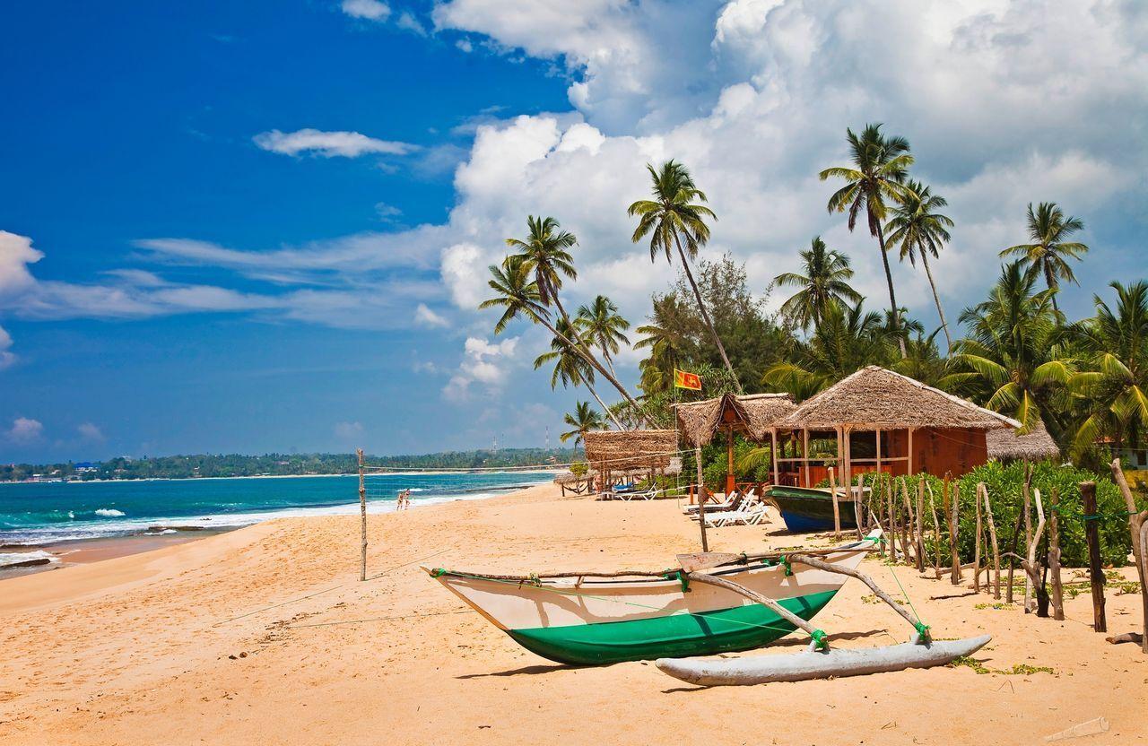 Куда поехать отдыхать в апреле на море недорого сезон 2017