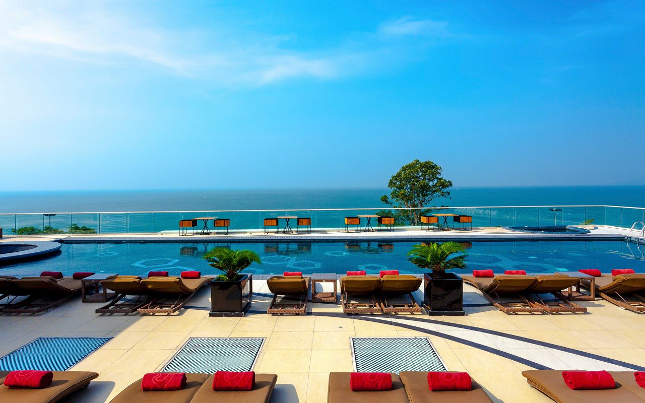 Centara Grand Phratamnak Resort 5*- 875 $
