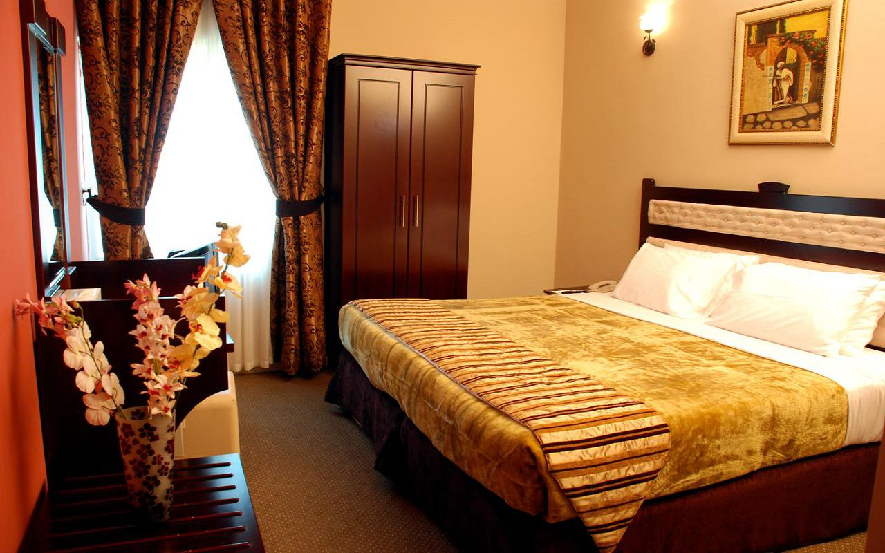 Al Bustan Tower Hotel Suites (6)