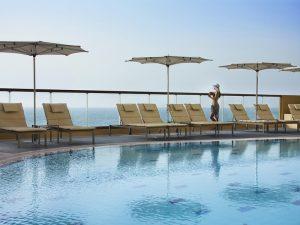 Amwaj rotana jumeirah beach 5 дубай джумейра вилла в испании снять