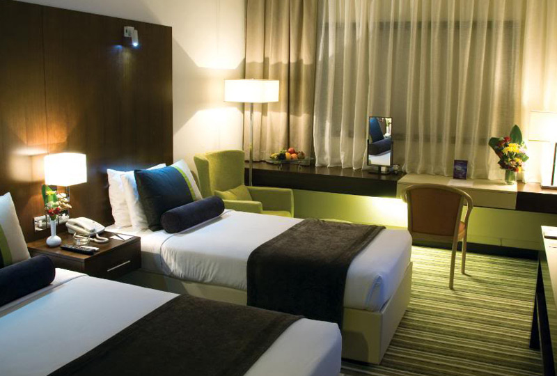 Avari   World   Traveler Room