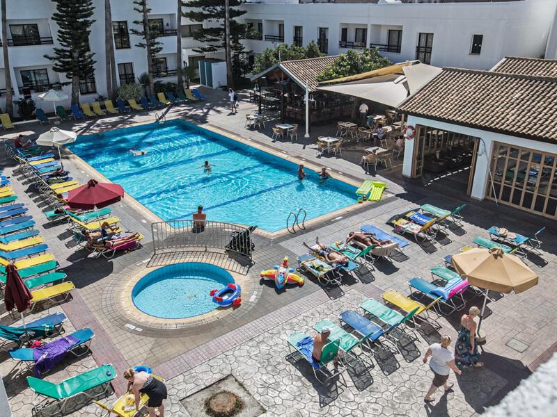 Горящие туры: Кипр из Киева на 7 ночей от 146€!