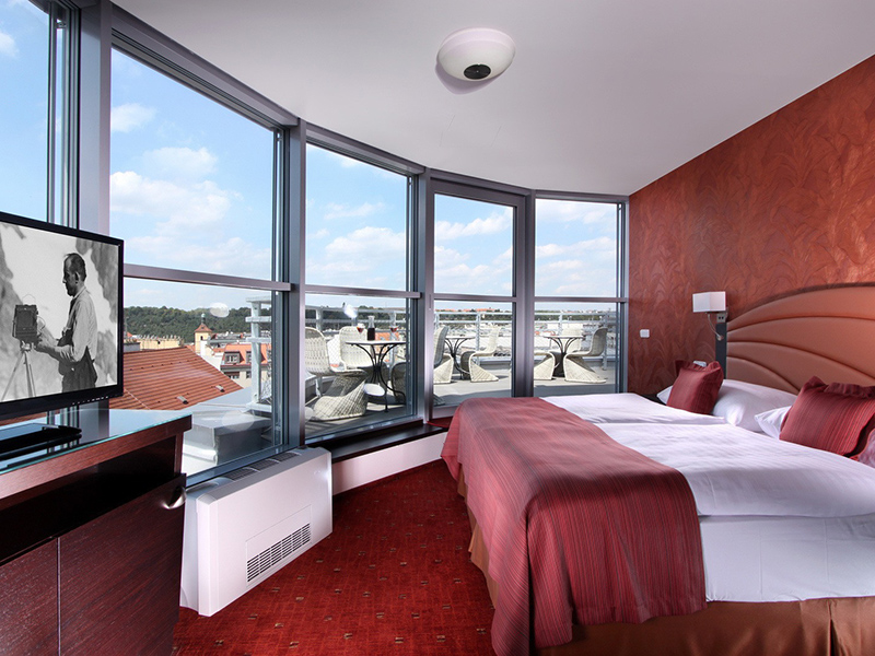DELUXE DOUBLE ROOM WITH CASTLE VIEW5