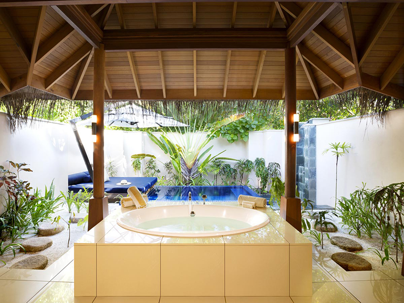 Deluxe Beach Bungalow with Pool2