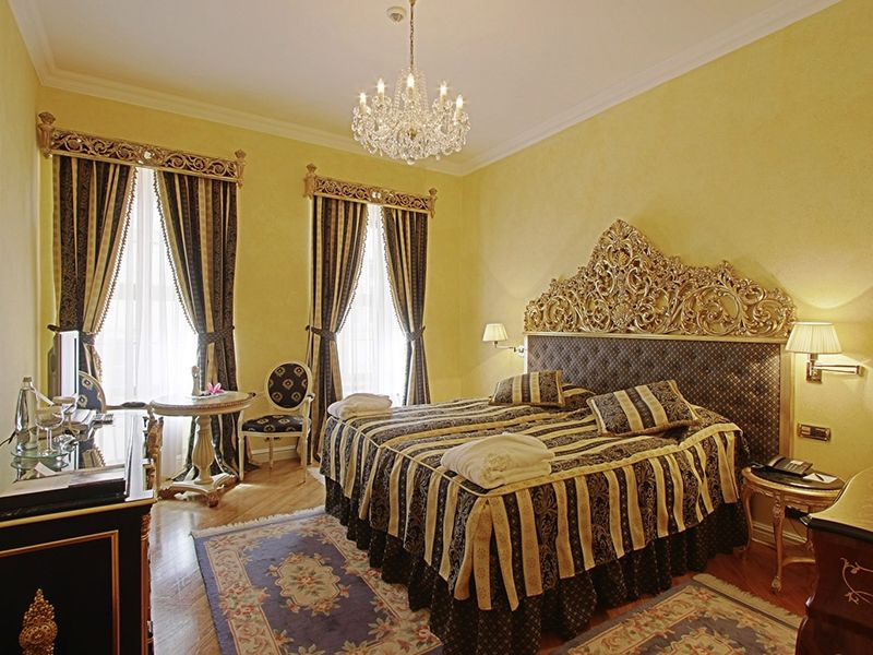 Deluxe Rooms with Twin bed