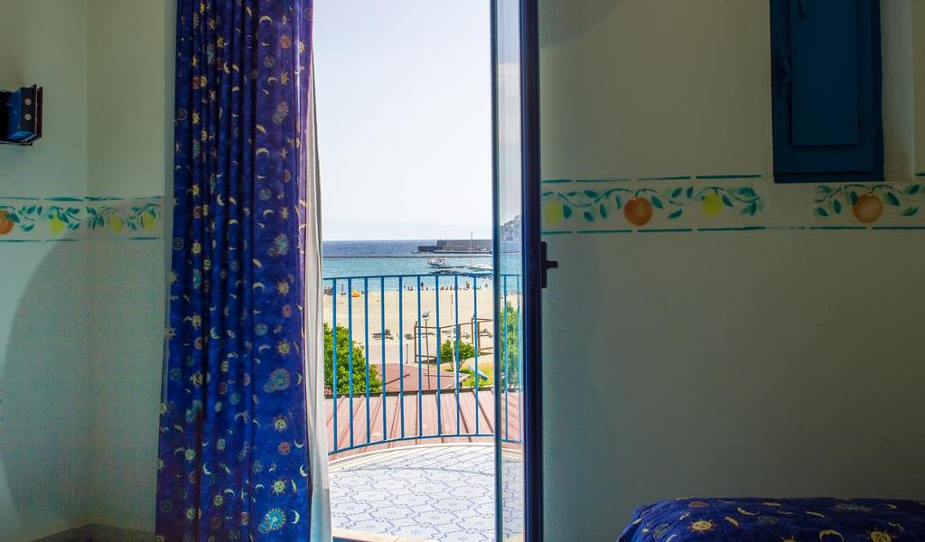 Double or Twin Room with Sea View2