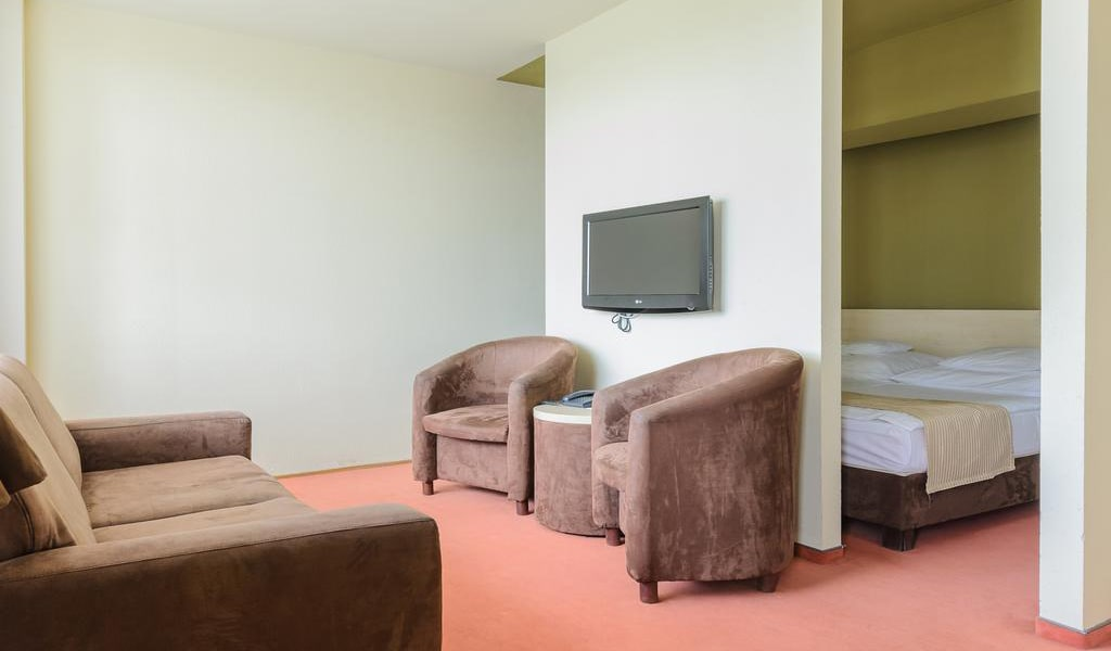 Family Double Room-min