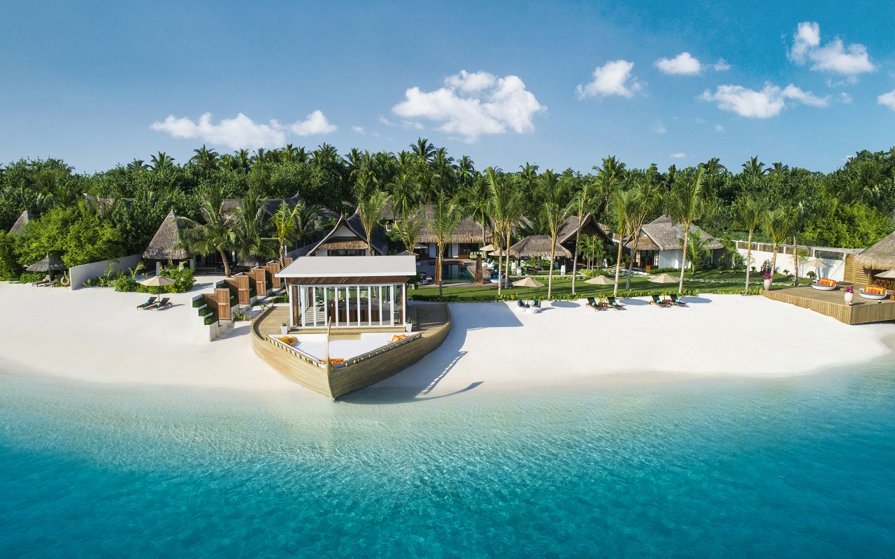 Jumeirah Vittaveli - Royal Residence - Beach View