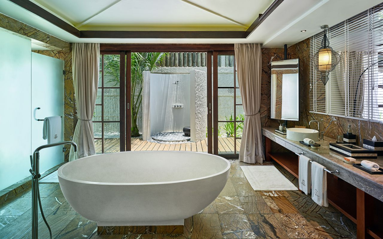 Jumeirah Vittaveli - Royal Residence - Guest House Bathroom