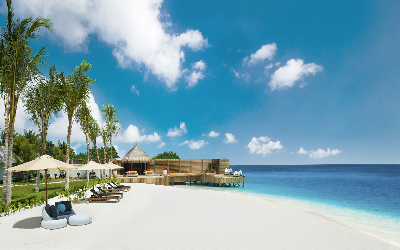 Jumeirah Vittaveli - Royal Residence - Private Beach