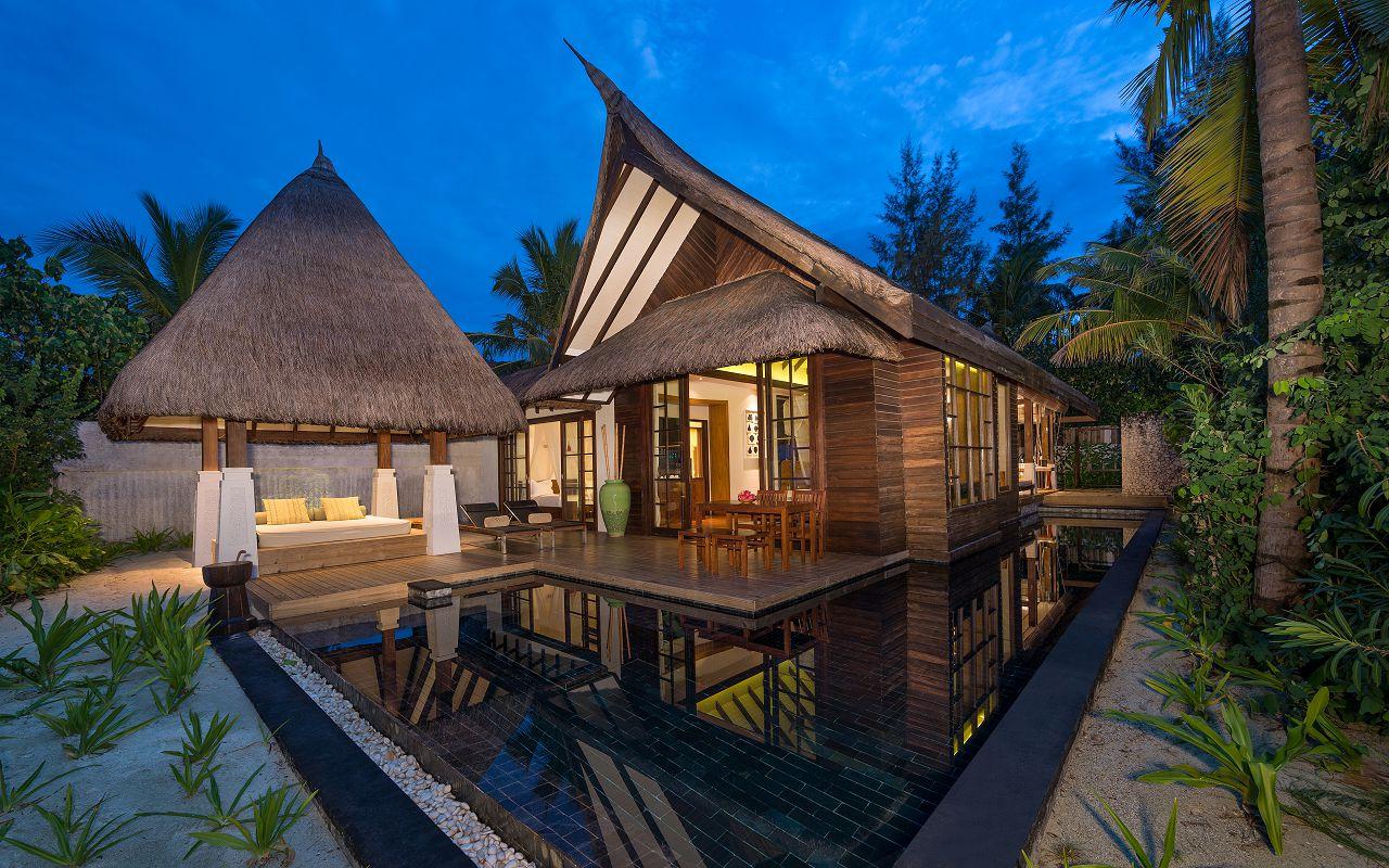 Jumeirah-Vittaveli_Two-Bedroom-Beach-Villa-Exterior