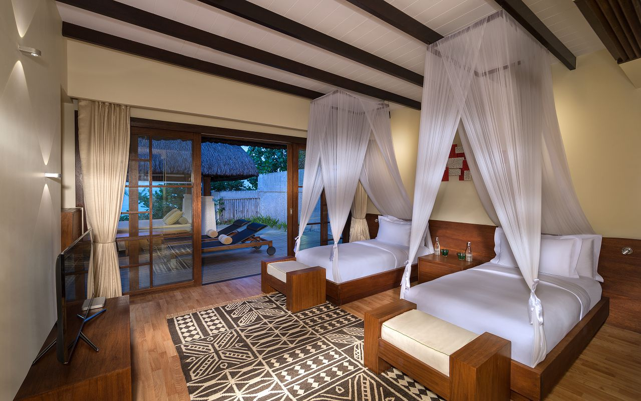 Jumeirah-Vittaveli_Two-Bedroom-Beach-Villa-Twin-Bedroom