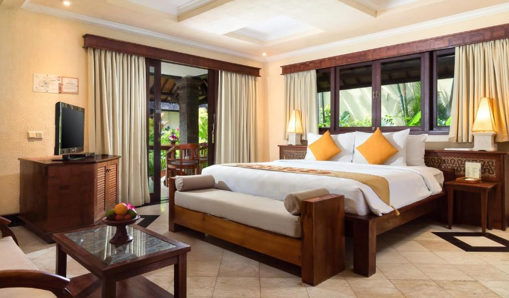 Lumbung-Deluxe-Double-Room-With-Extra-Bed-17-min