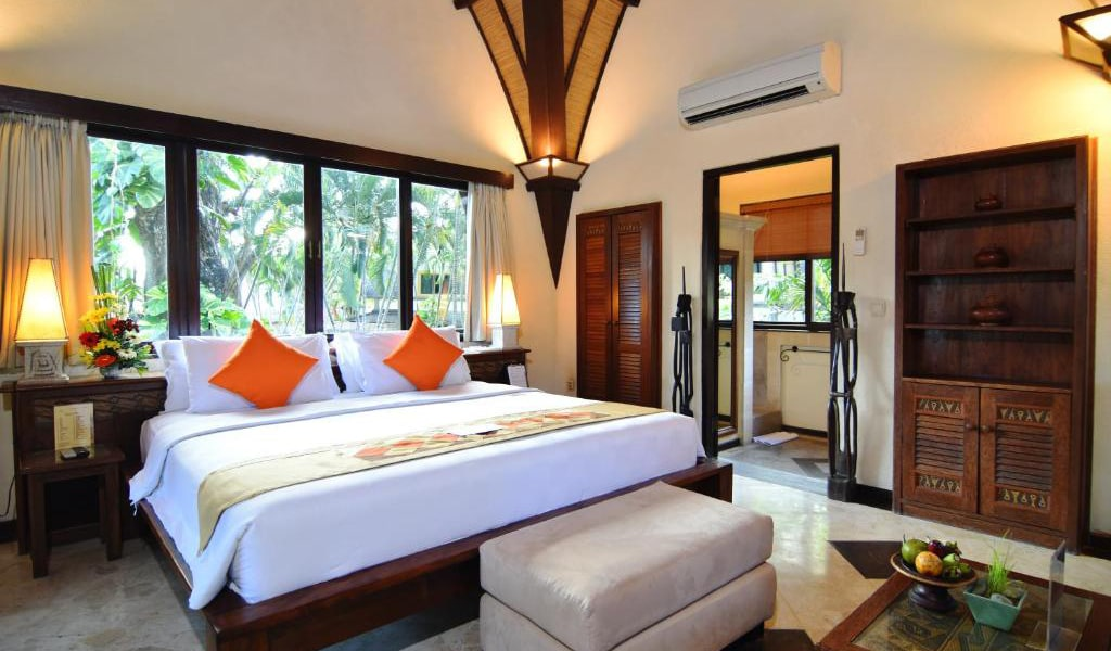 Lumbung-Deluxe-Double-Room-With-Extra-Bed-6-min
