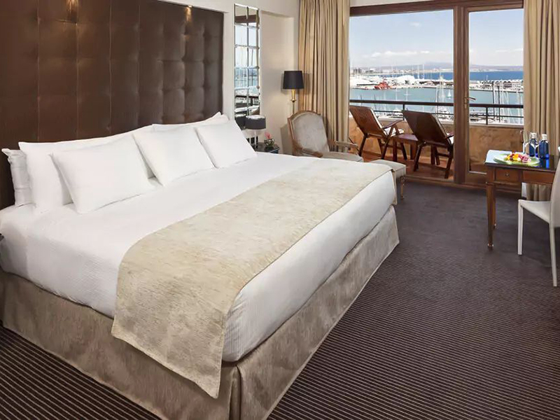 PREMIUM-FRONT SEA CATHEDRAL VIEW ROOM2_1