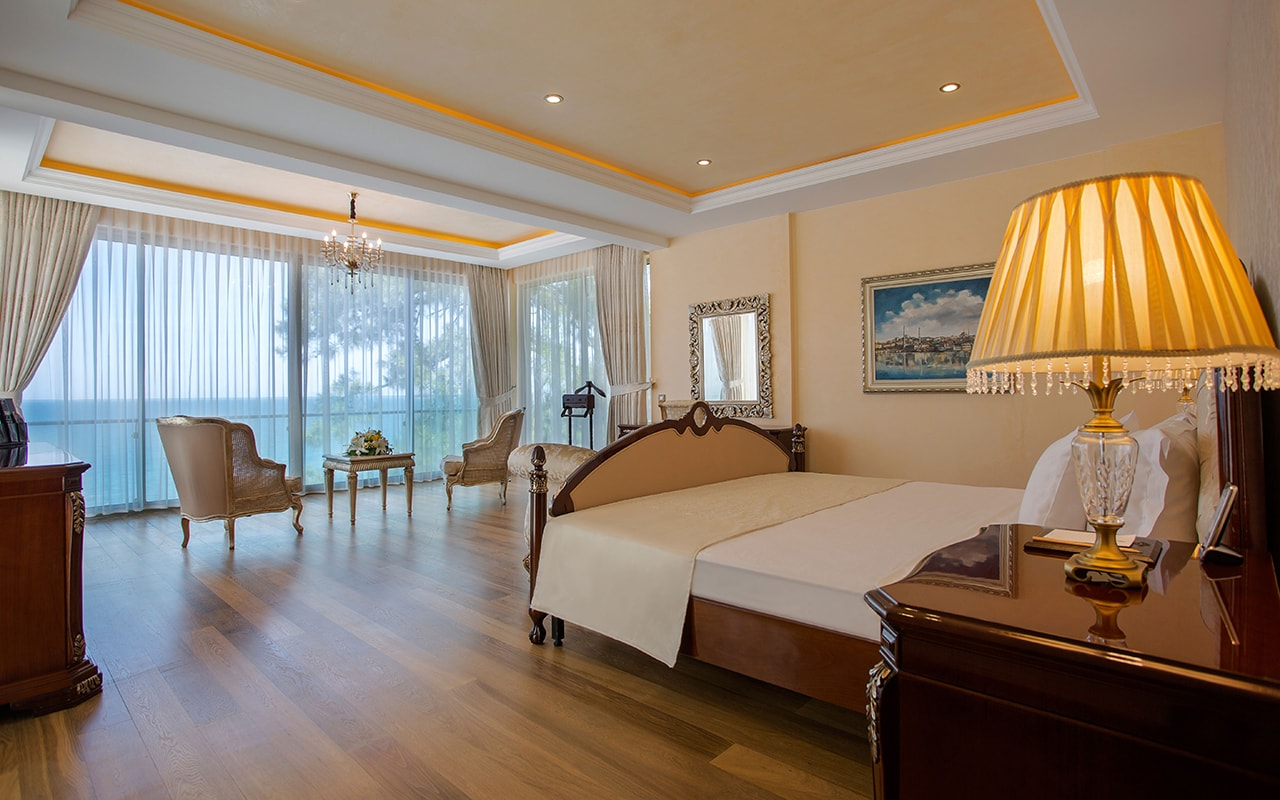 Presedential villa Bedroom-min