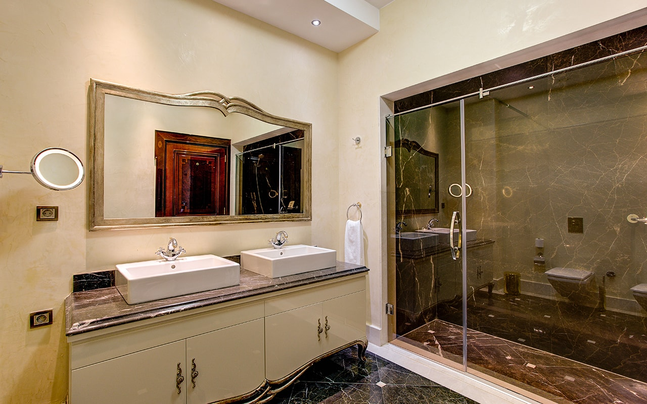 Presidential Villa bathroom (2)-min
