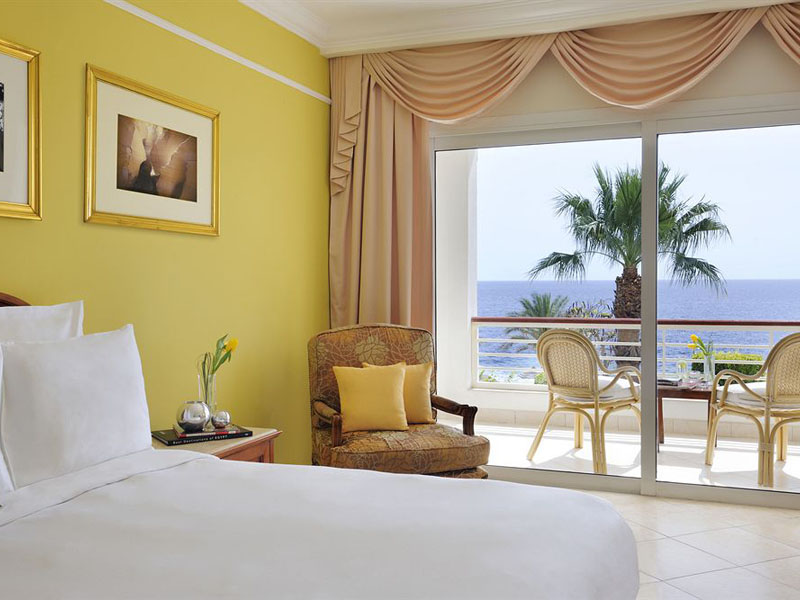 SEA VIEW ROOM (4)