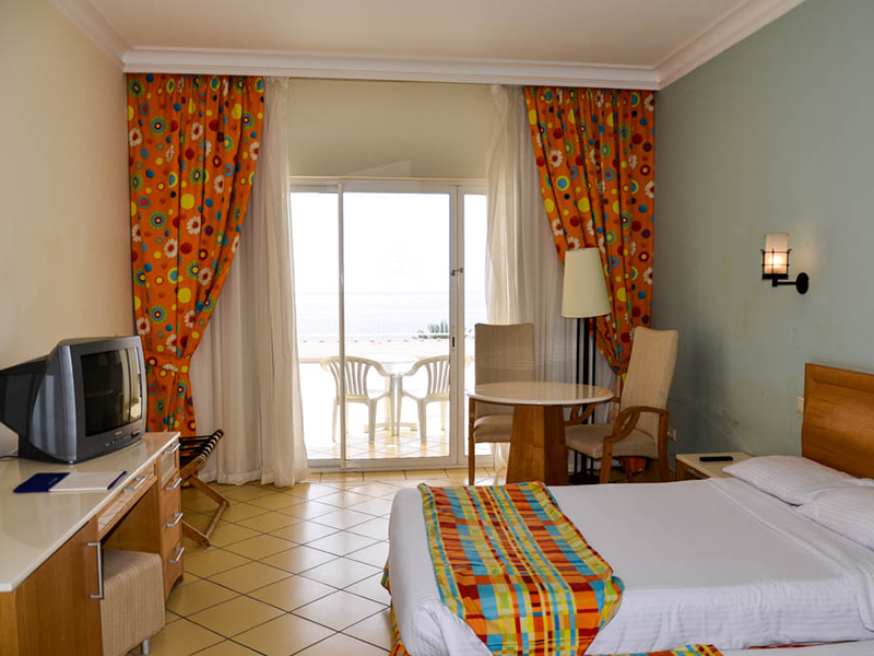 SEA VIEW ROOM (8)