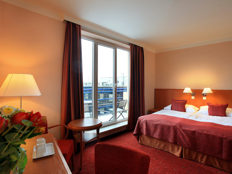 SUPERIOR DOUBLE ROOM WITH BALCONY5