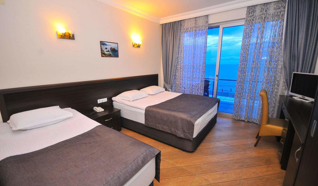 Standard Triple Room with Balcony