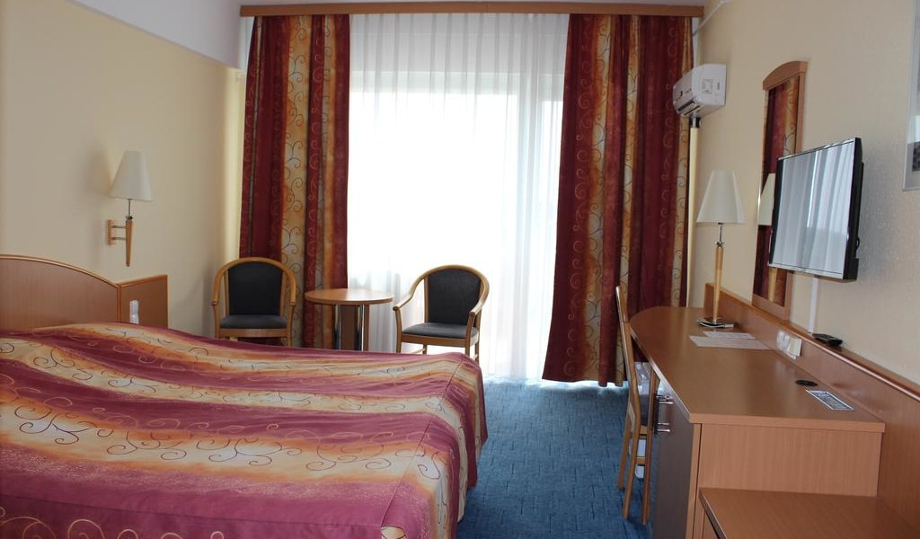 Superior Double Room2-min