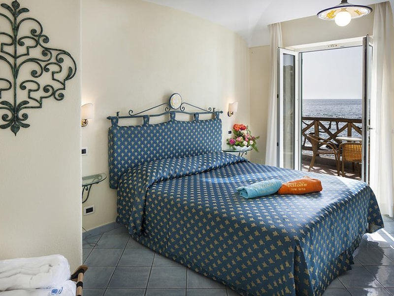 Superior Double or Twin Room with Sea View2-min