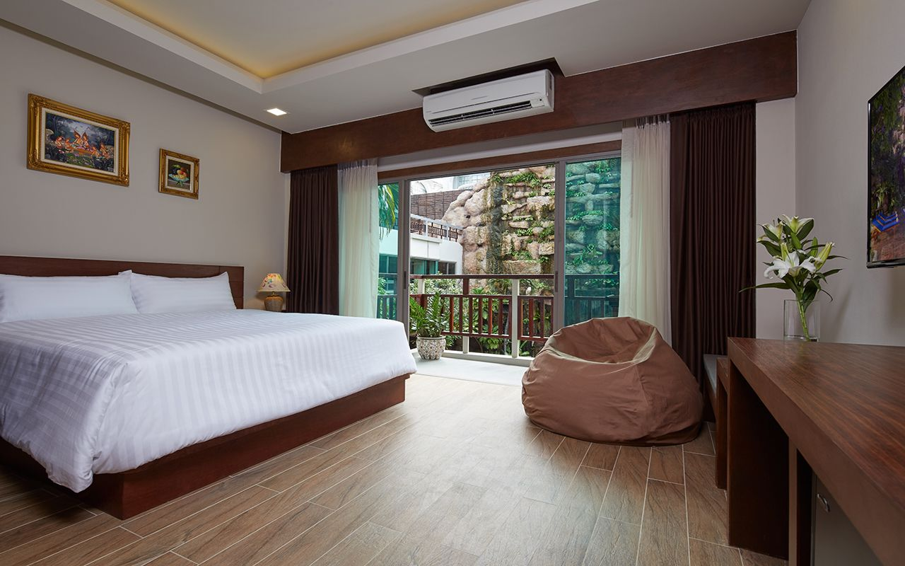 The Agate Pattaya Boutique Resort (1)-min