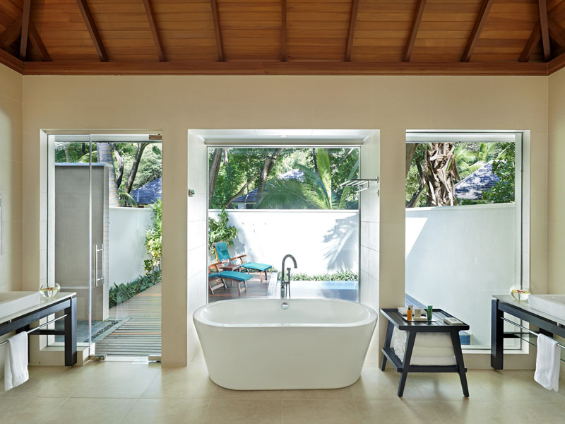 beachfront villa with plunge pool 2