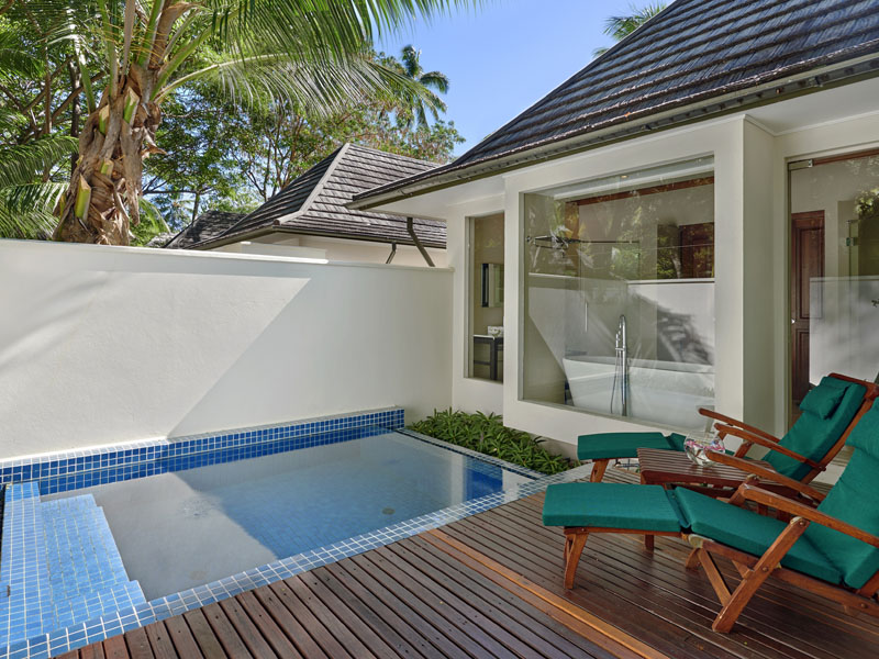beachfront villa with plunge pool 3