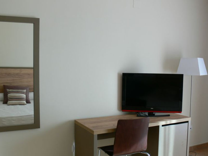 habitacion-superior-tv