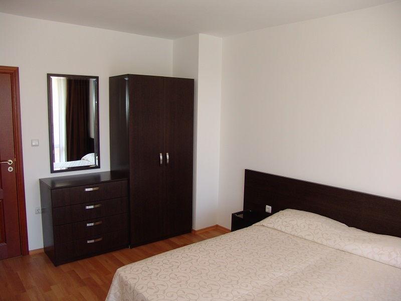 one bedroom apartment 1