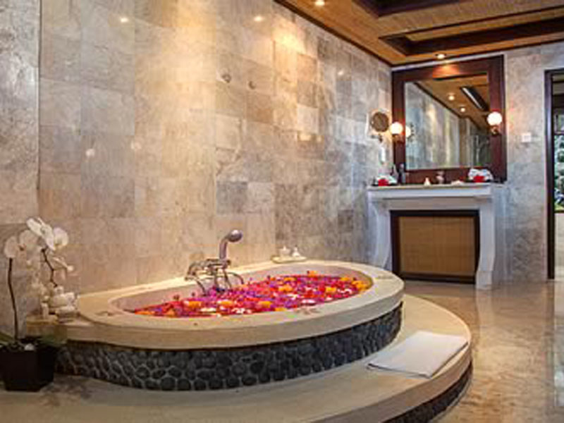 pitamaha-pool-duplex-villa-bathroom