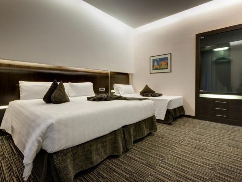 triple-room-best-western-plus-hotel-universo-roma (1)