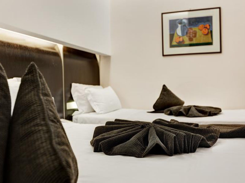 triple-room-best-western-plus-hotel-universo-roma (2)