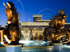 Horses and fountain in front of the al Qasr hotel in Dubai.