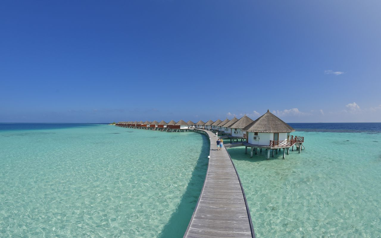 SFI-HRES-Safari_Island_Water_Bungalow3