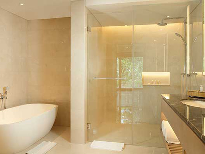 new-deluxe-suite-bathroom