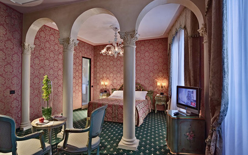 Junior Suite Overlooking The Grand Canal2