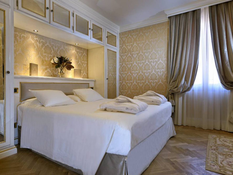 hotel_ai_reali_comfort_room_gallery_01-1000x665
