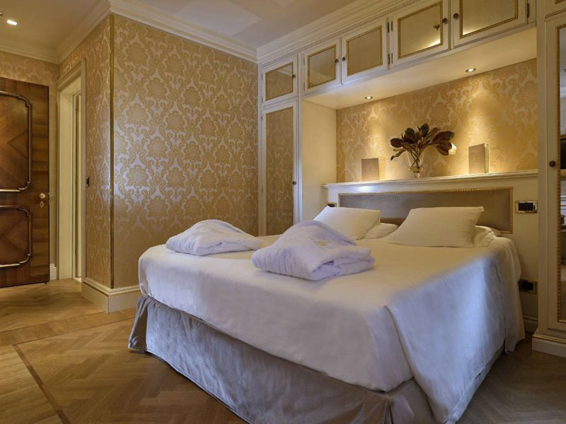 hotel_ai_reali_comfort_room_gallery_02-1000x665
