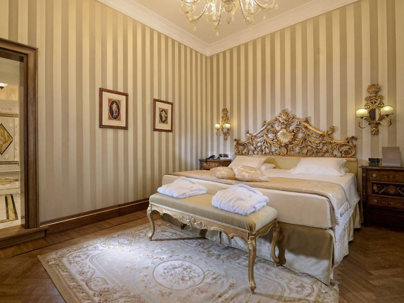 hotel_ai_reali_luxury_suite_gallery_04-1000x667