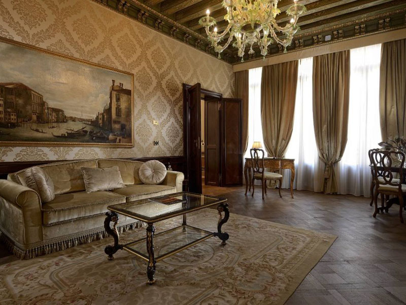 hotel_ai_reali_luxury_suite_gallery_05-1000x665