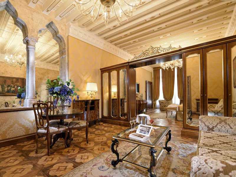 hotel_ai_reali_luxury_suite_gallery_07-1000x665