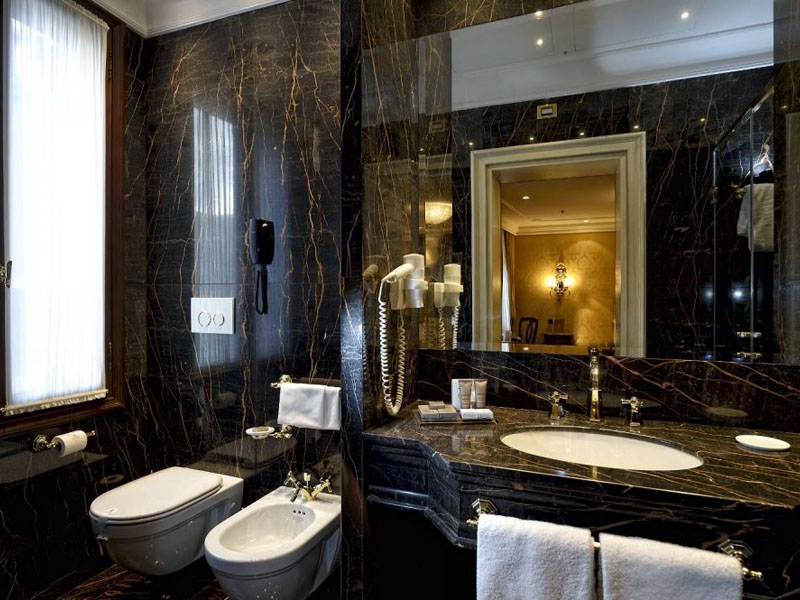 hotel_ai_reali_luxury_suite_gallery_09-1000x665