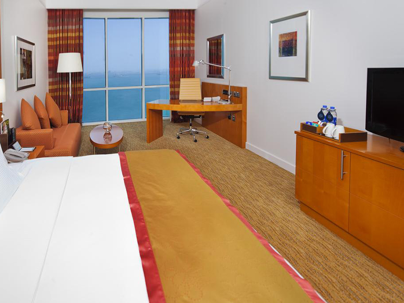 Deluxe King Room with Sea View (1)