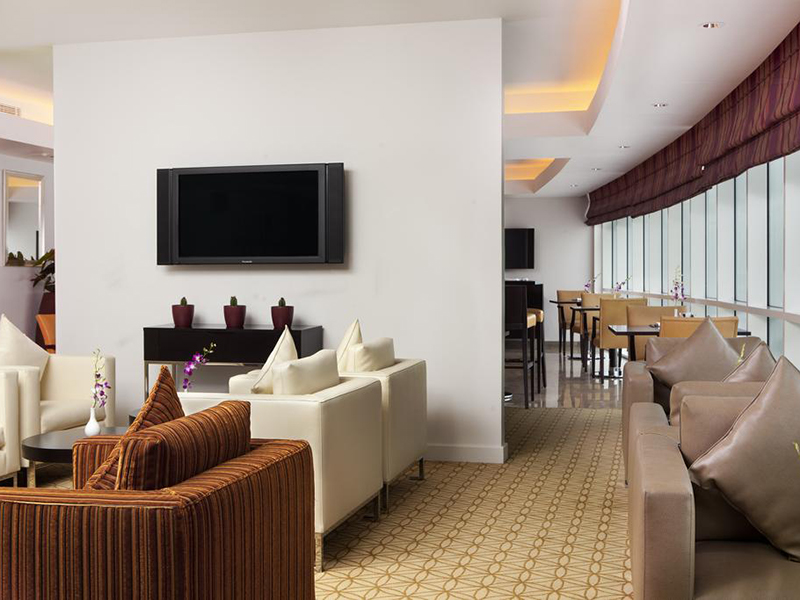 Executive King Room with Executive Lounge Access (1)