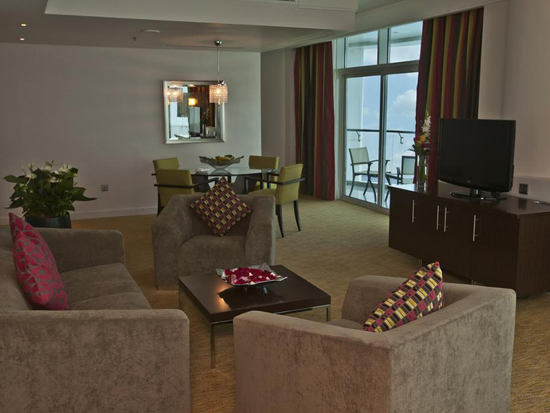Panoramic Suite with Sea View and Executive Lounge Access (2)