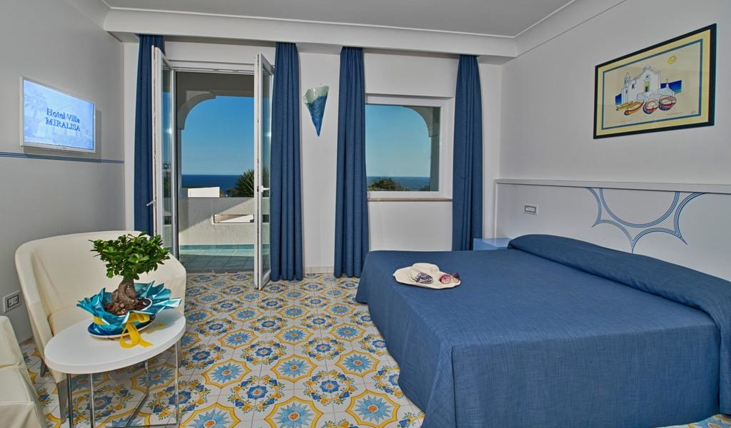 Junior Suite with Sea View -min