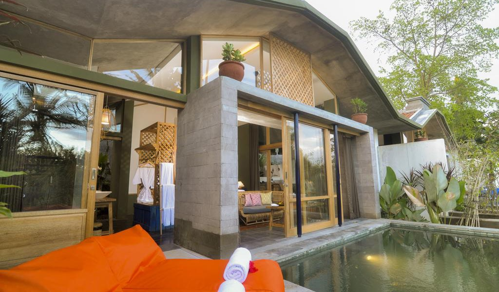 Royal Villa with Private pool 3-min